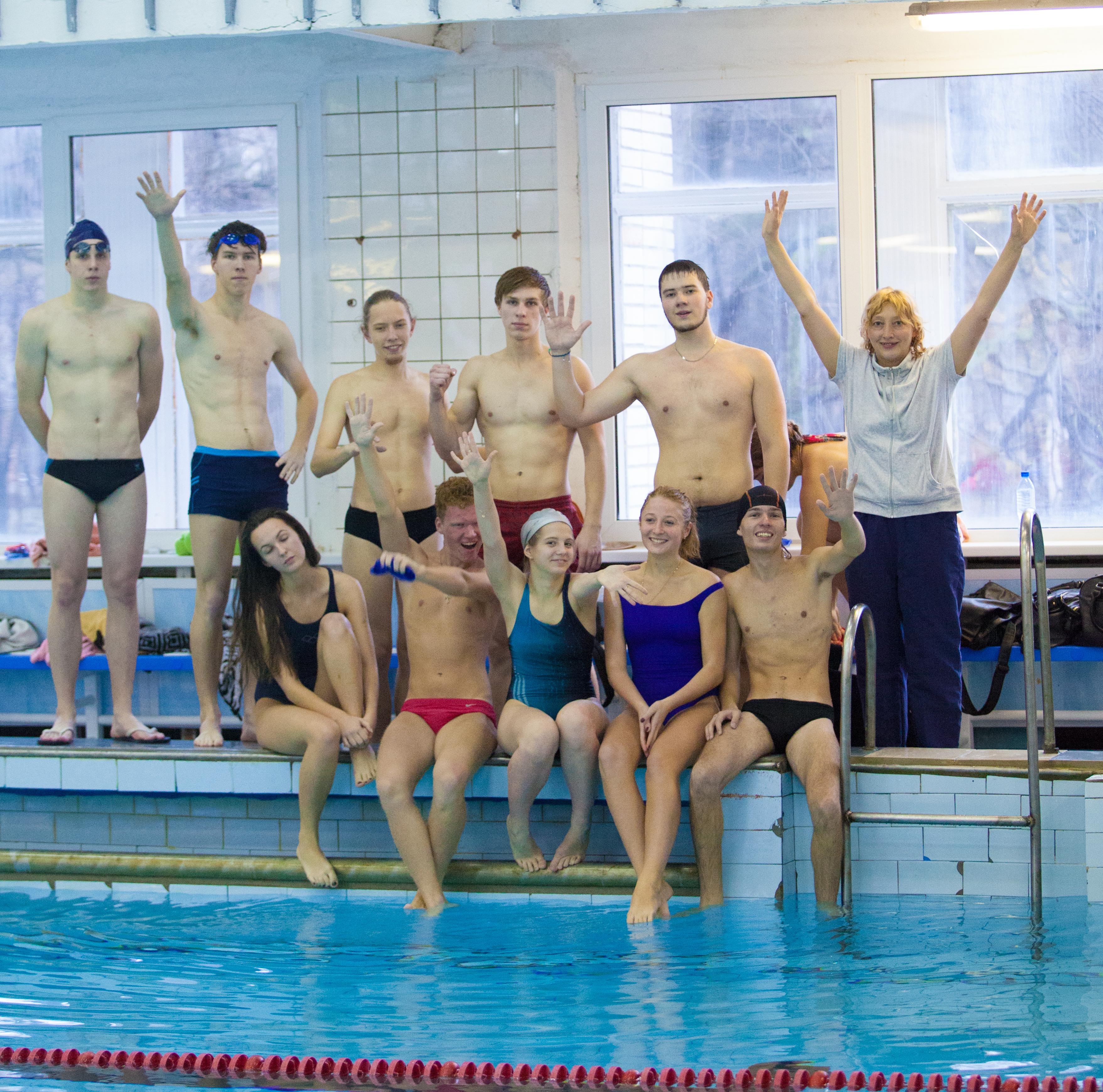 Поздравляем нашу команду по плаванию